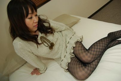 Japanese Housewife in Tights