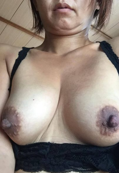 37 yo Asian MILF Maja